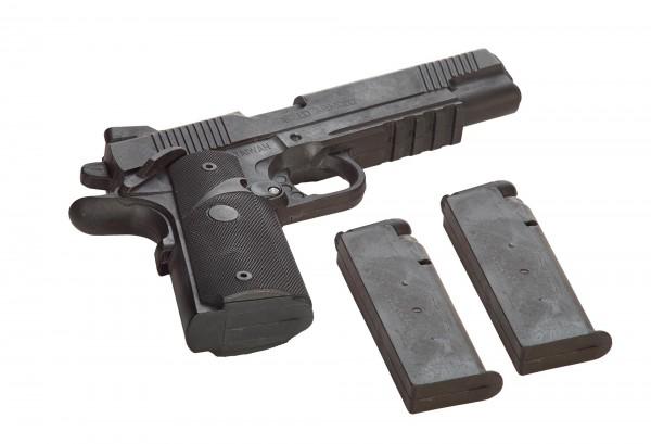 Gummi-Pistole mit Magazin und zwei Wechselmagazinen