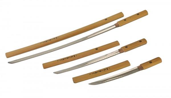 Schwerter in Holzscheide